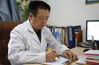 许增银 郑州白癜风医院治疗专家
